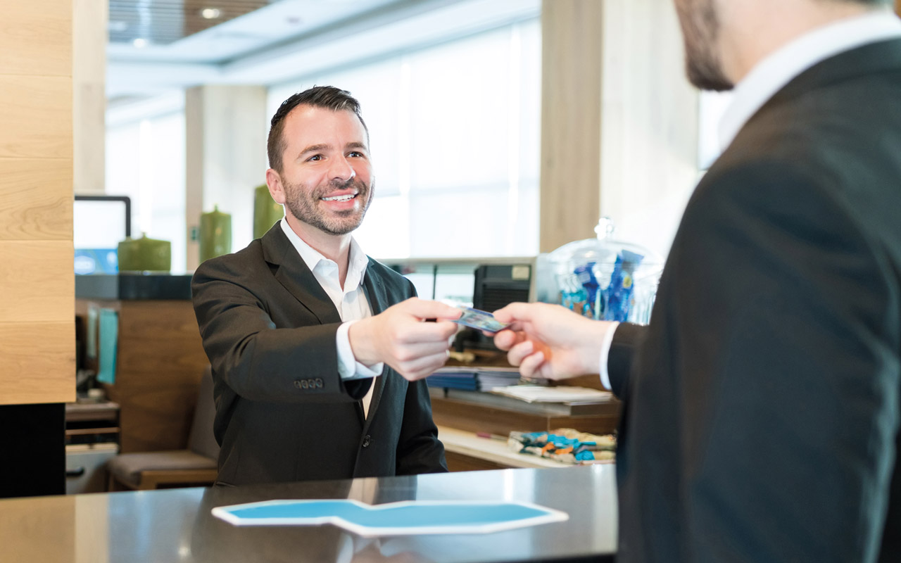Fast hotel check in with 4Cheque PRO